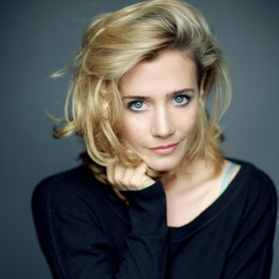 Headshot of Lisa Dwan